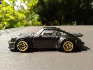 Schwarzer Miniatur Porsche