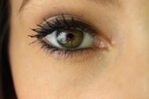 geschminkte Augen